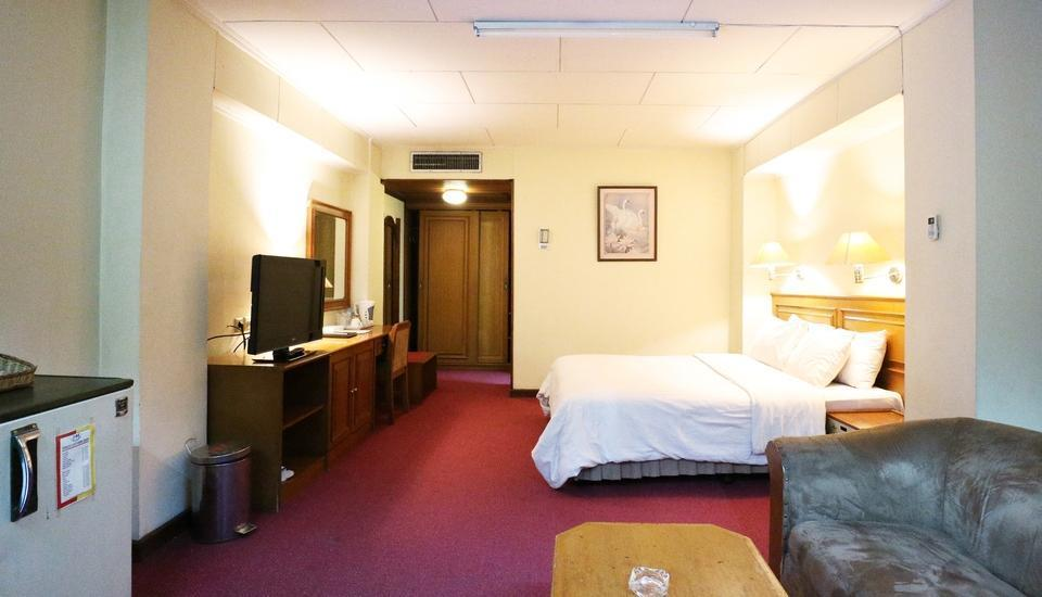 Hotel Melawai Jakarta - Deluxe King Room Breakfast Included super sale