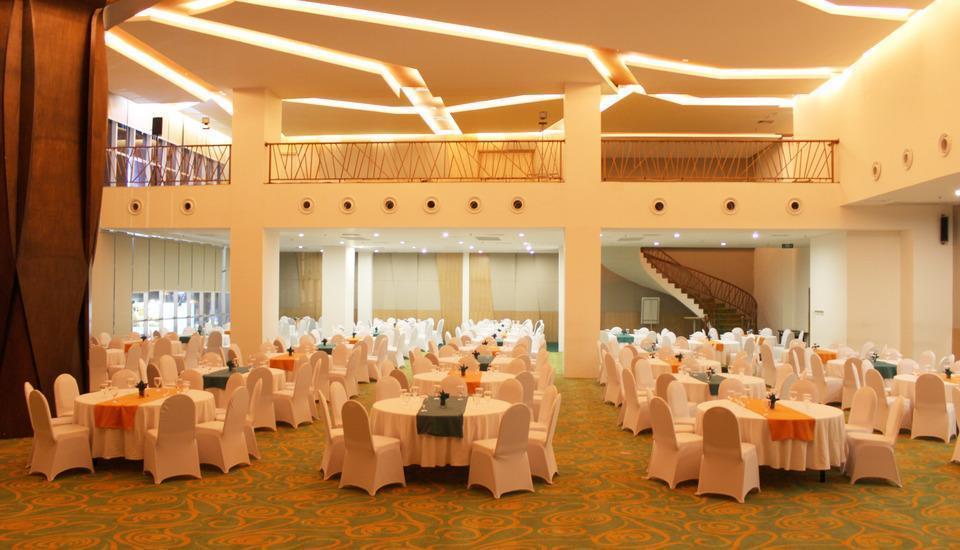 HARRIS Hotel Pontianak - Ballroom
