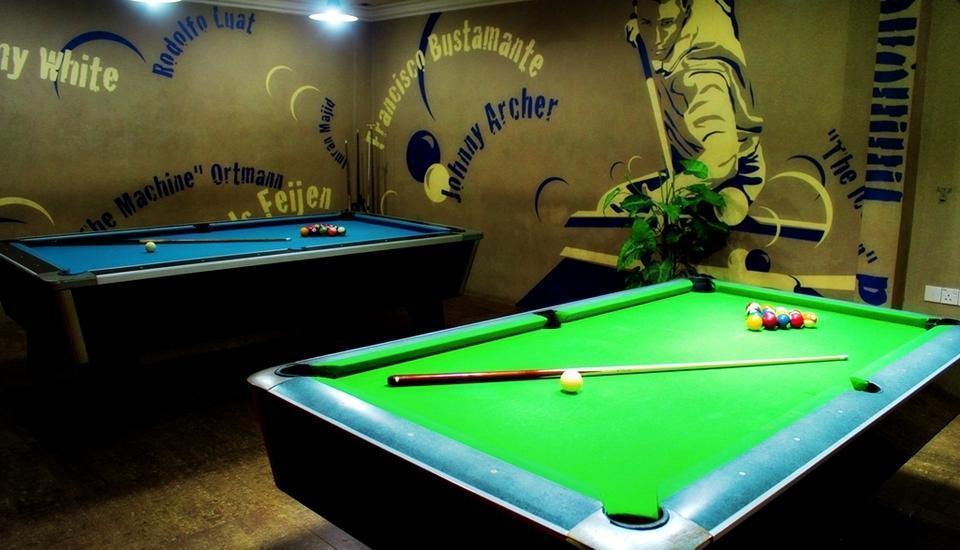 Hotel Standard Batam - Meja Billiard