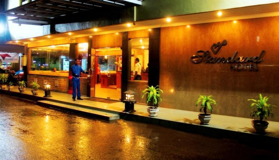Hotel Standard Batam - Pintu Utama