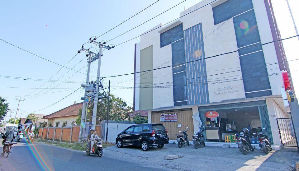 ZenRooms Raya Gelogor Carik Denpasar - tampak depan hotel