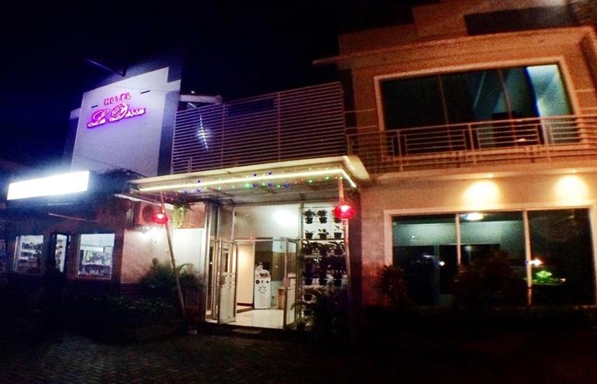 La Derra Hotel Purwakarta - Eksterior