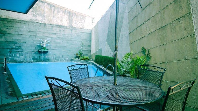 ZenRooms Near PVJ Bandung - Pool
