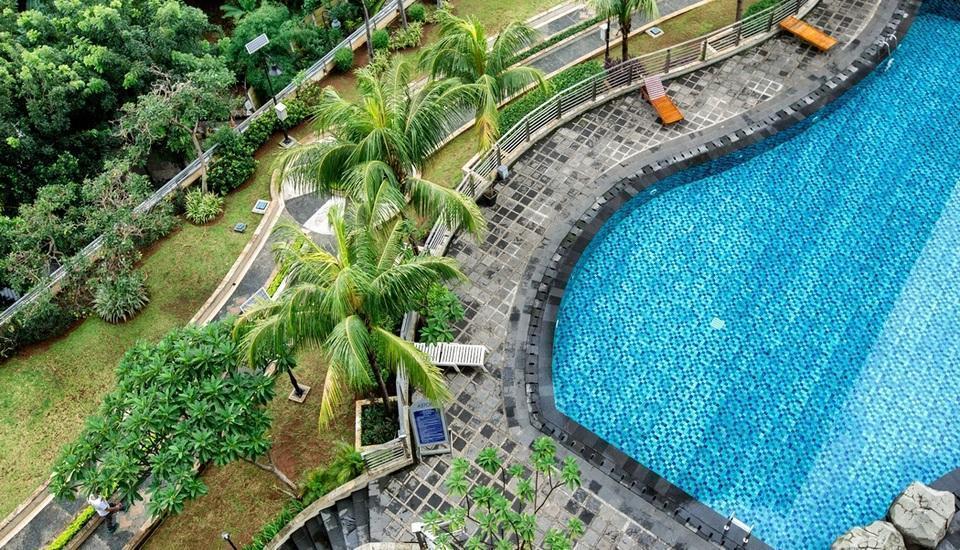 Aston Rasuna - Facilities - Swimming Pool from top