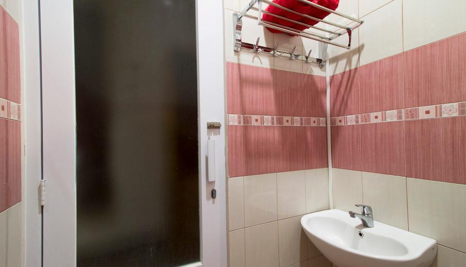 RedDoorz @Gegerkalong Tengah Bandung - Kamar mandi