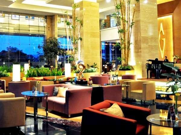 Gumaya Hotel Semarang - Lobby