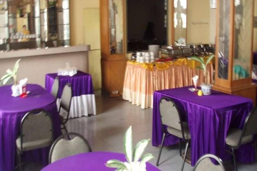 Resty Menara Hotel Pekanbaru - Ruang Makan