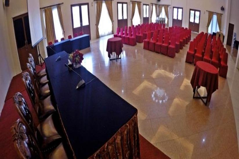 Grand USSU Hotel Bogor - Ballrooom