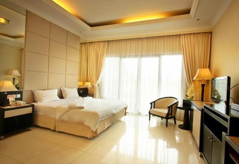 Grand USSU Hotel Bogor - Bougenville King With Breakfast Regular Plan