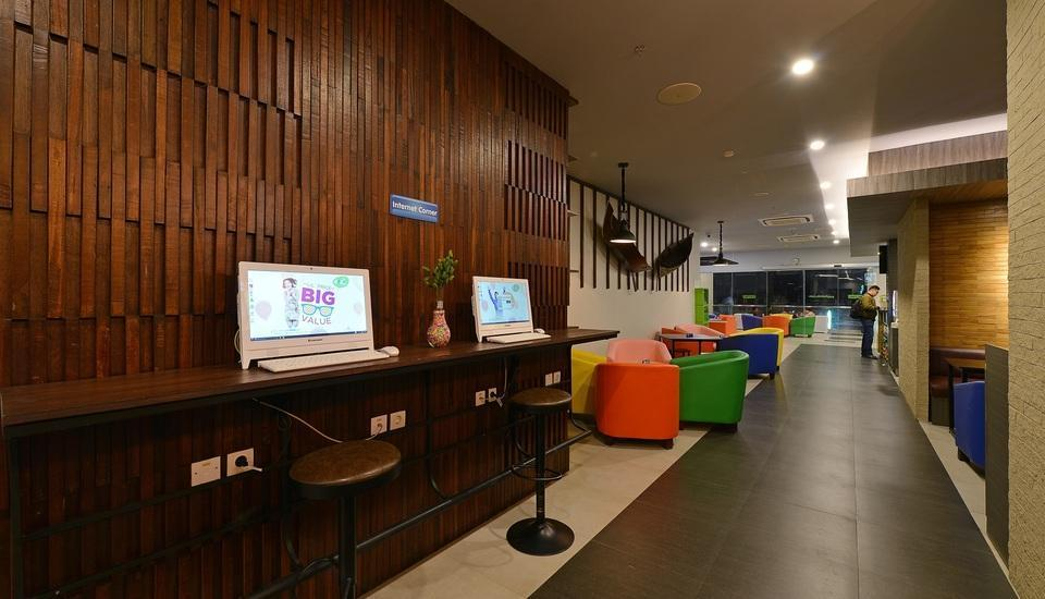 POP! Hotel Banjarmasin - Lounge area
