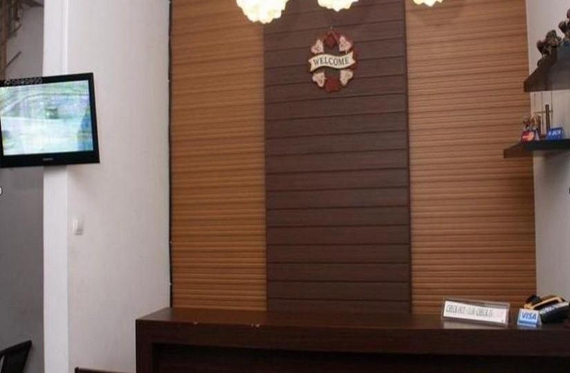 Unique Guest House Bandung - Resepsionis