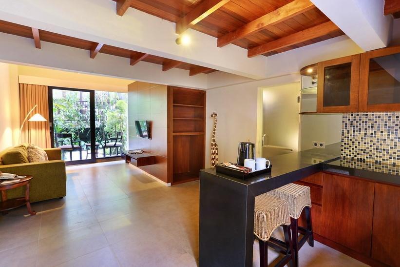 Pandawa All Suite Hotel Bali - Ruang tamu dan ruang makan
