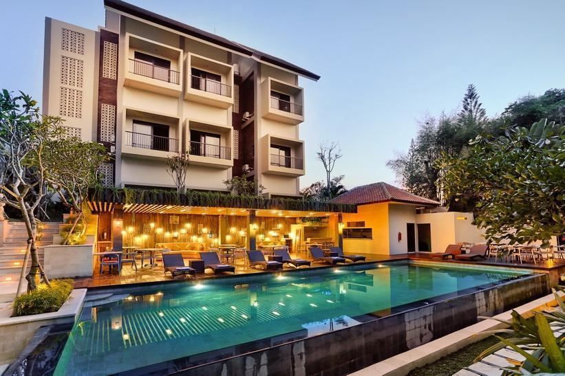 Pandawa All Suite Hotel Bali - Area kolam renang