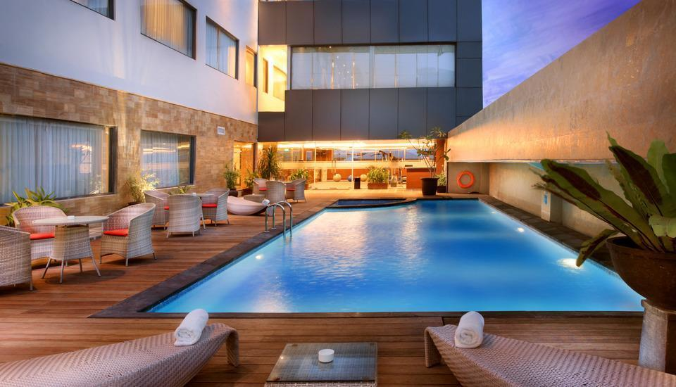 Swiss-Belhotel Harbour Bay Batam - SBHB Swimming Pool