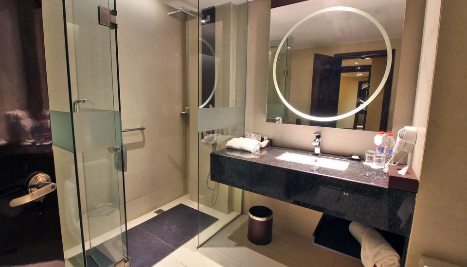 Swiss-Belhotel Harbour Bay Batam - Shower bath - Grand Deluxe
