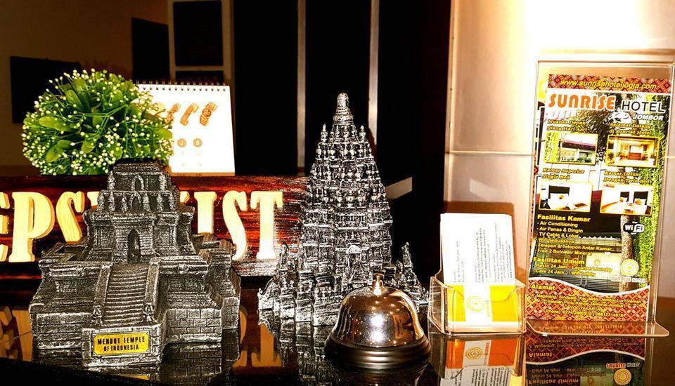 Sunrise Hotel Jombor Yogyakarta - Nuansa karikatur candi