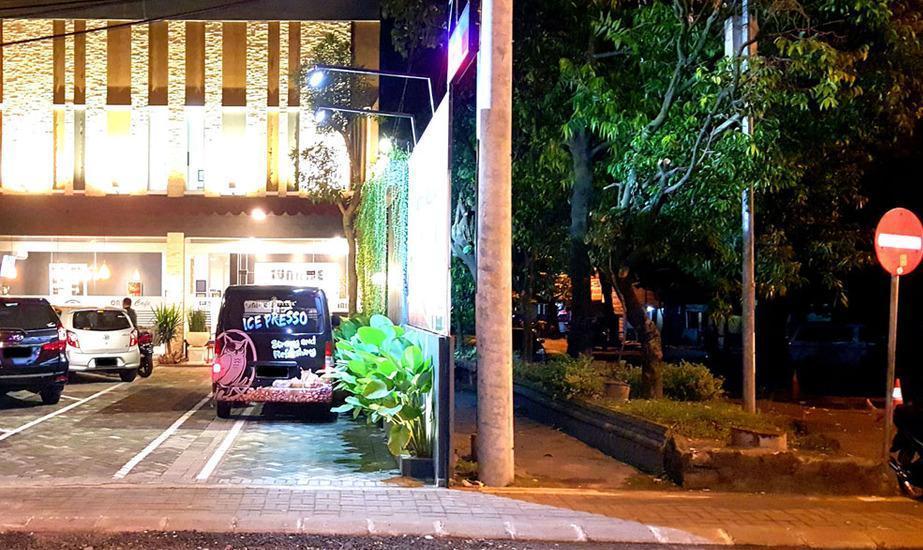 Sunrise Hotel Jombor Yogyakarta - Suansana malam