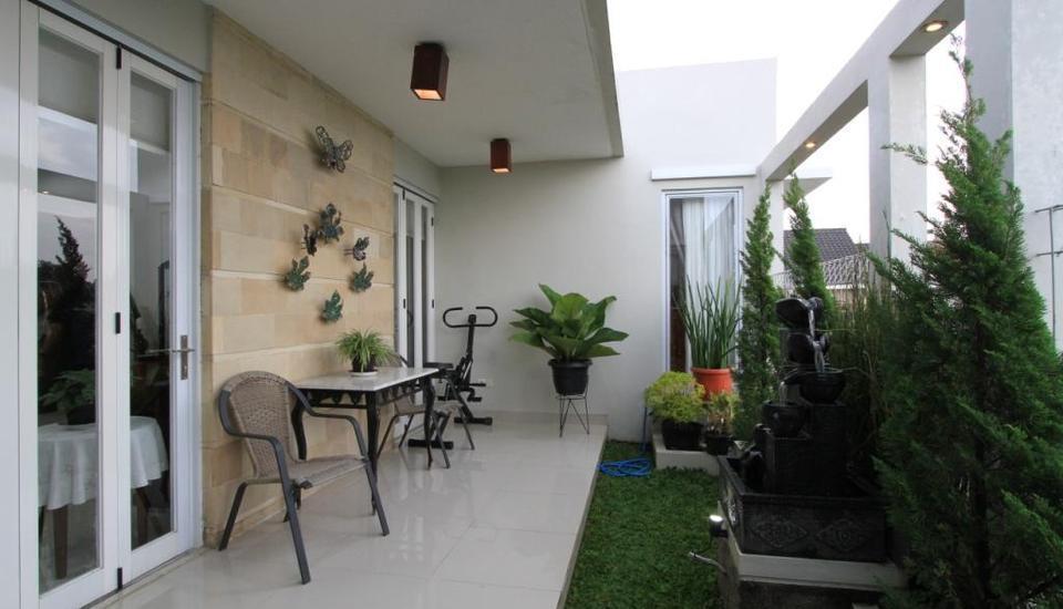 Natura Rumah Singgah Purwokerto - Teras