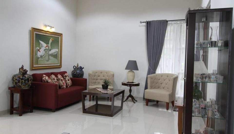Natura Rumah Singgah Purwokerto - Ruang tamu
