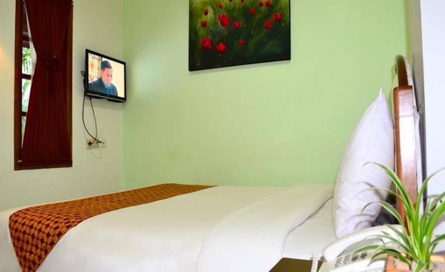 The Kresna Hotel Yogyakarta - Standard Room Shared Bathroom Regular Plan