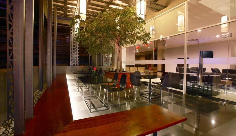 Aston Imperial Bekasi Hotel Bekasi - Lounge