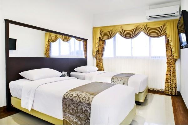 The Victoria Luxurious Guest House Bandung - Deluxe Twin Room Breakfast Regular Plan