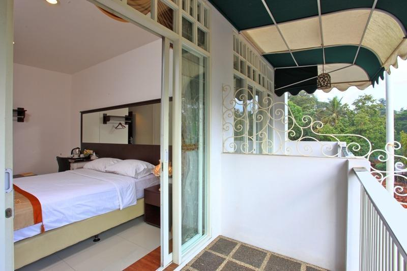 The Victoria Luxurious Guest House Bandung - Kamar Deluxe