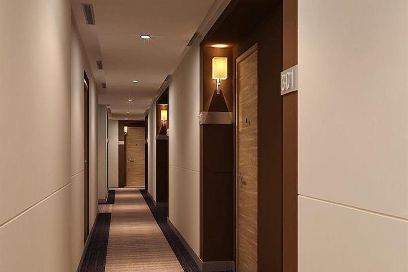 Harper Mangkubumi - Koridor