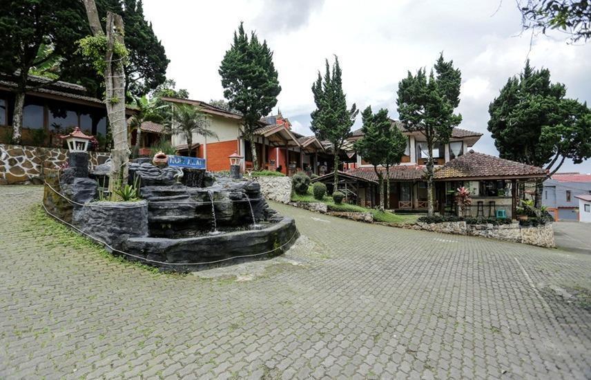 RedDoorz near De Ranch Lembang Bandung - Eksterior