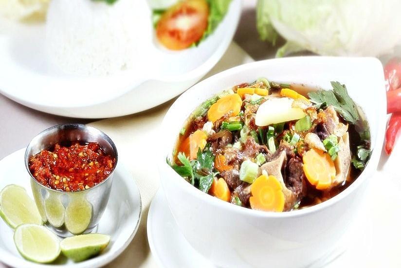 Grand Menteng Hotel Jakarta - Menu Makanan