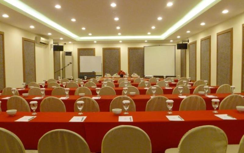 NIDA Rooms Penga Yoman 7 Makassar - Ruang Rapat
