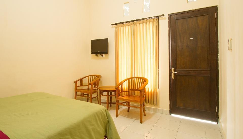 Seminyak Point Guest House Bali - Standard Double Room Only Last Minute Promo