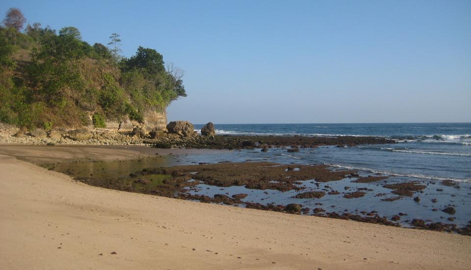 Hotel Tugu Blitar - Pantai Pangi