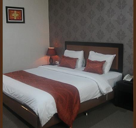 Grand Kanaya Hotel Medan - Room