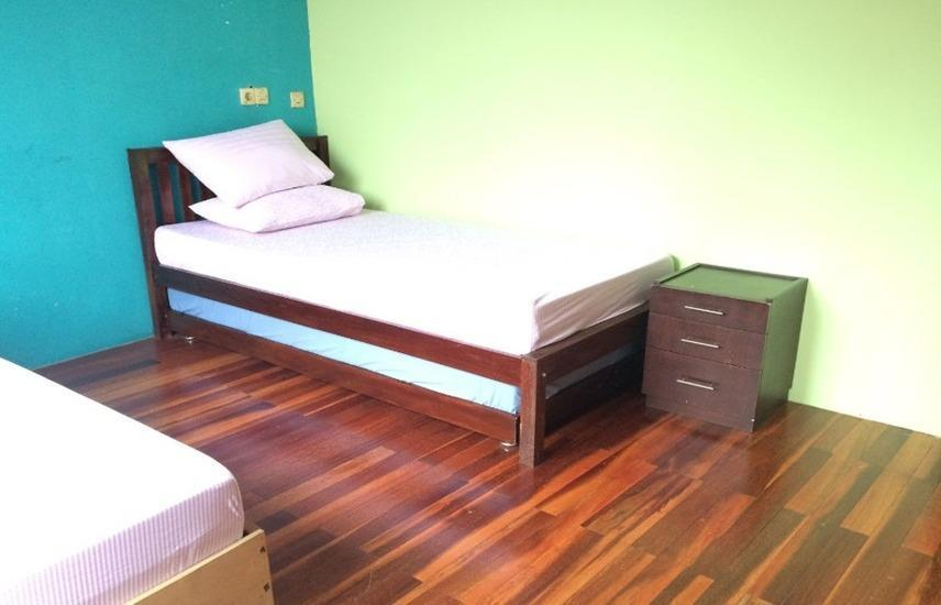 Female Homestay Jakarta - Twin Room Regular Plan