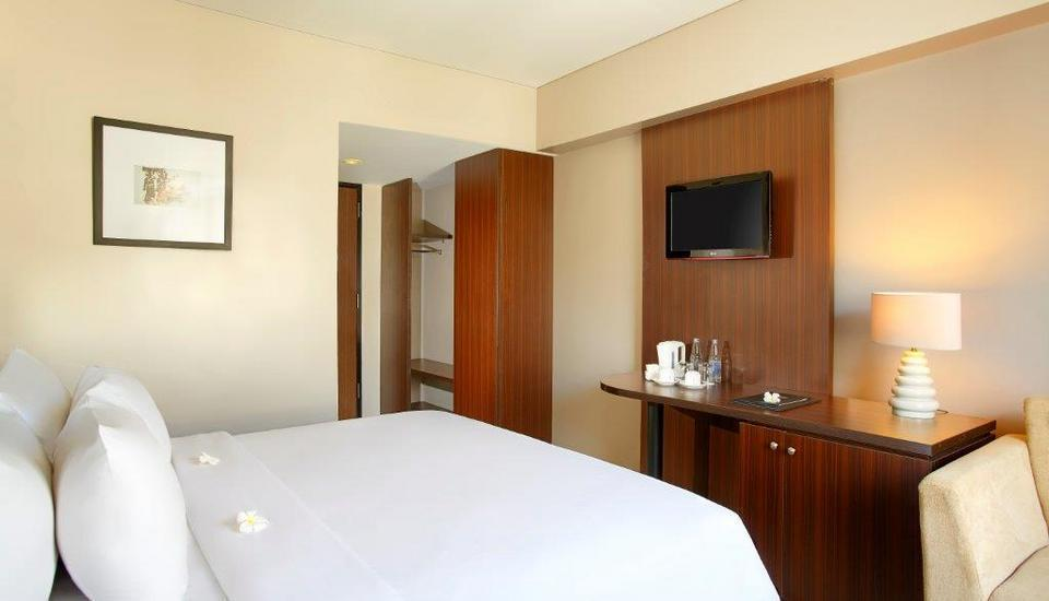 Hotel Santika Kuta Bali - Superior Room King Weekend Deal