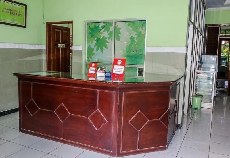 NIDA Rooms Panjang Surabaya University Surabaya - Resepsionis