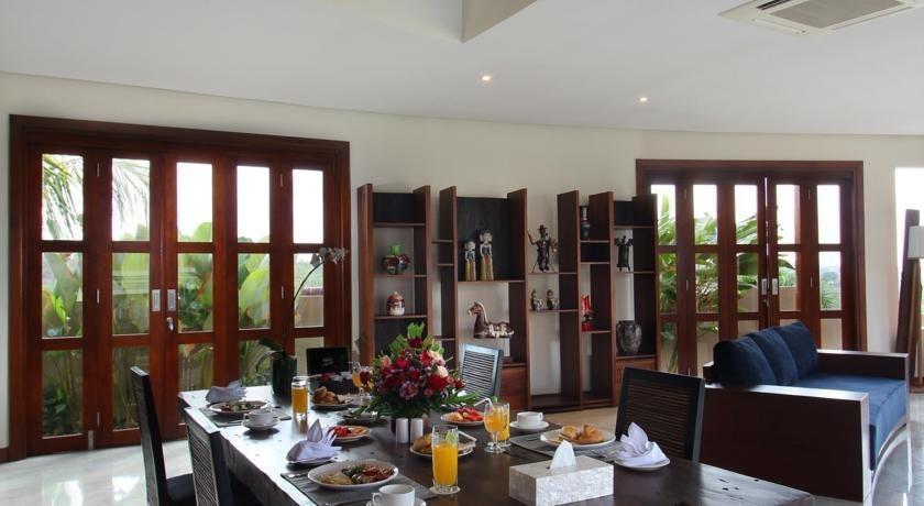Casa Bonita Villas Bali - Ruang makan