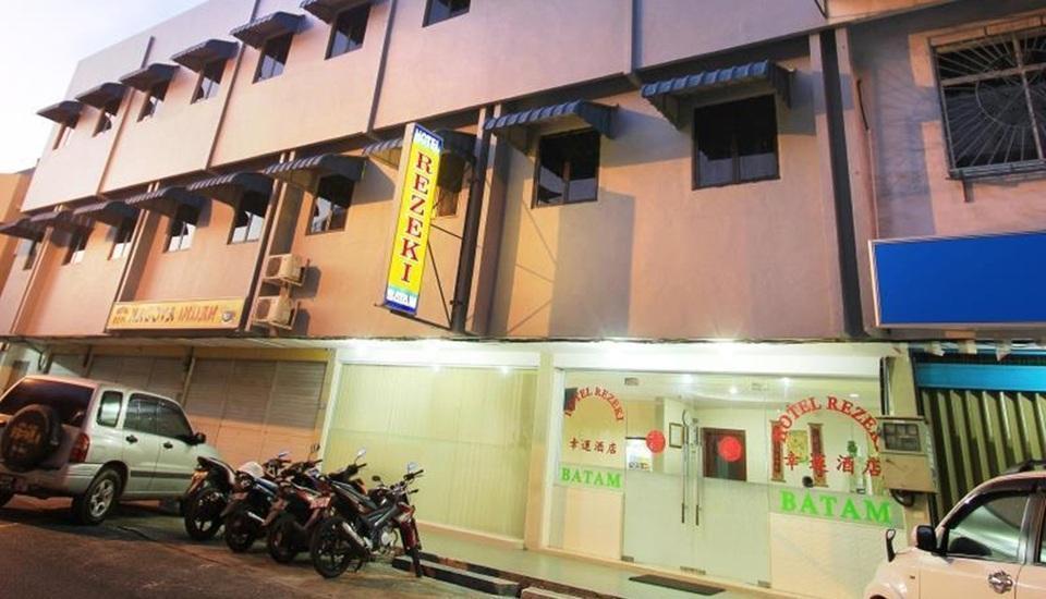 Hotel Rezeki Batam - Tampilan Luar Hotel