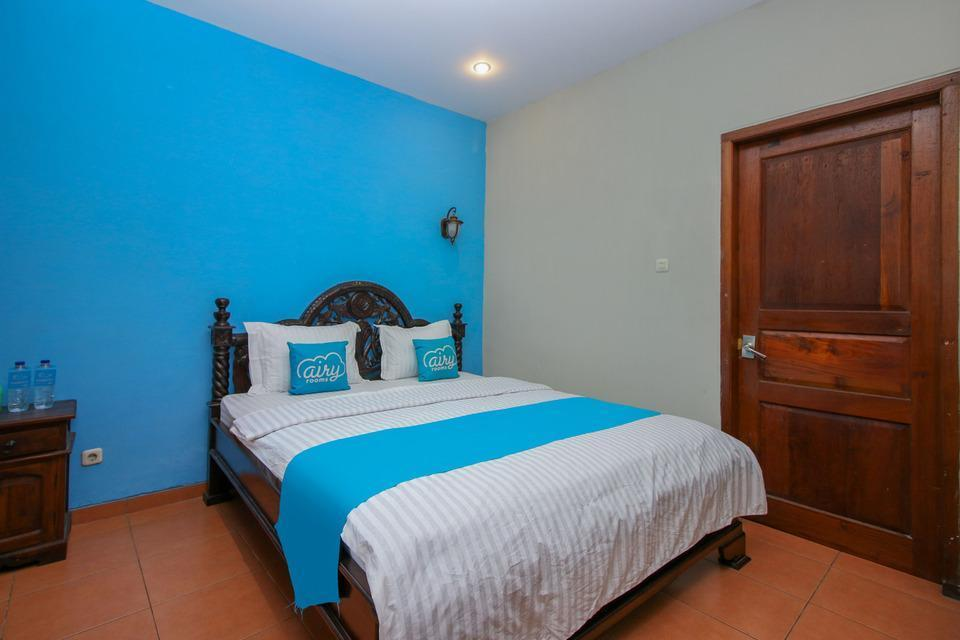 Airy Imam Bonjol 35 Solo Solo - Deluxe Double Room Only Special Promo Jan 28