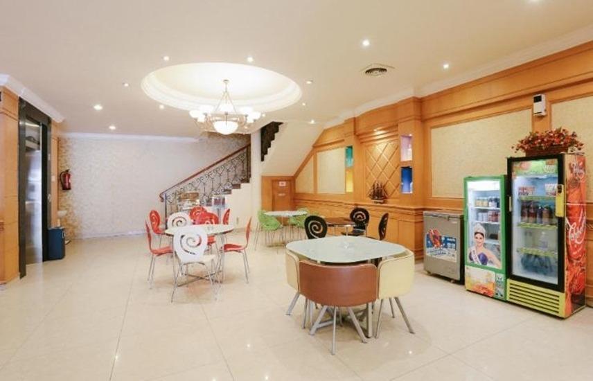 Hotel Maricaya Makassar - Lobi