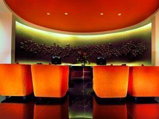 100 Sunset 2 Hotel Bali - Resepsionis