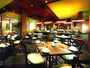100 Sunset 2 Hotel Bali - Restoran