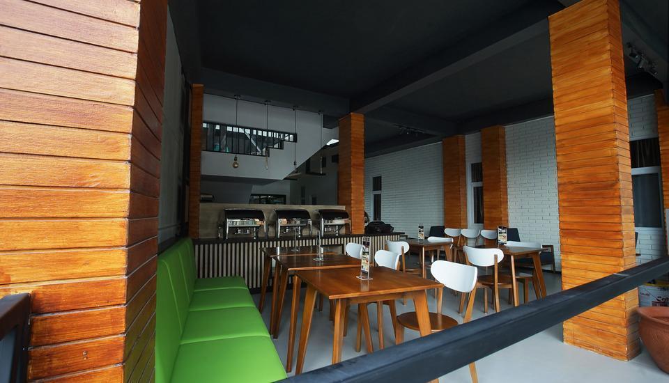 Hotel Faustine Semarang - cosmo resto