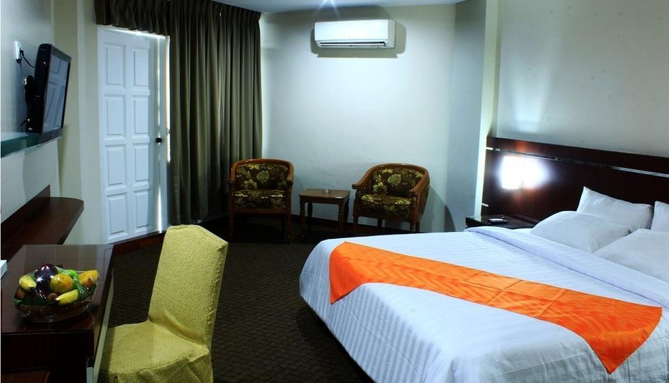 Hotel Dyan Graha Pekanbaru - DELUXE ROOM