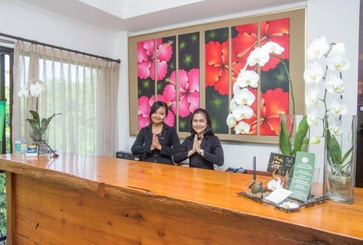 Hotel Amira Bandung - Receptionist