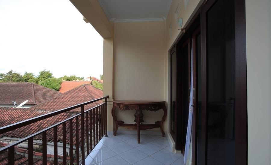 RedDoorz @Puri Gerenceng Tuban Bali - Balcon