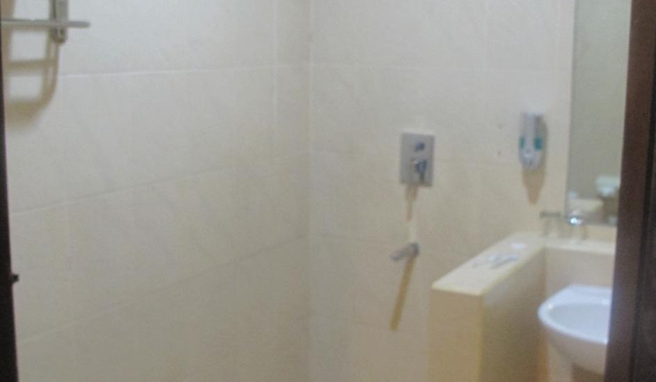 Surya Kencana Seaside Hotel Pangandaran - Super Deluxe / Deluxe Toilet