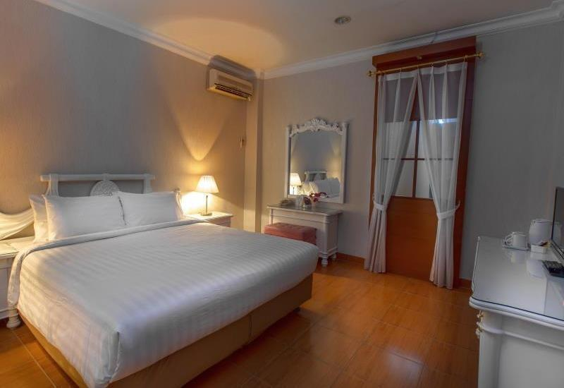 Hotel Braja Mustika Bogor - Superior Room With Breakfast Regular Plan