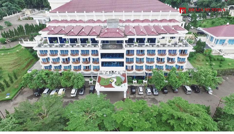 Hotel Braja Mustika Bogor - Hotel Building